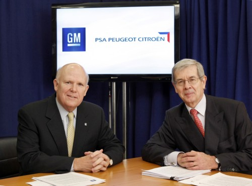 GM/PSA CEO�s put pen to paper