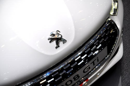 Peugeot 208 GTI badge white
